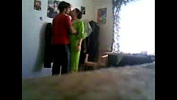 Два гомосексуалиста занимаются трахом на кровати