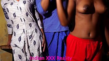 Подборка различных девчонок, которые дают в две вульвы чернокожим факерам