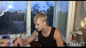 Кристен скотт с маленькими сисяндрами дала юноше в анал